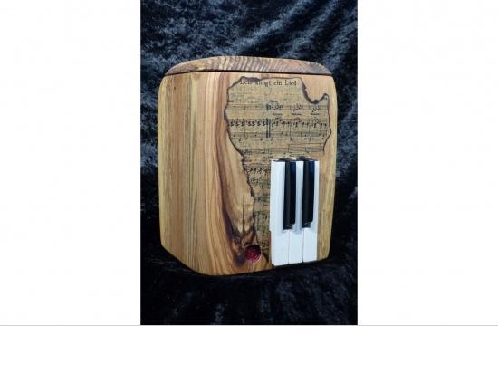 Holzurne Unikat mit Klaviertasten   <small>(1806110)</small>