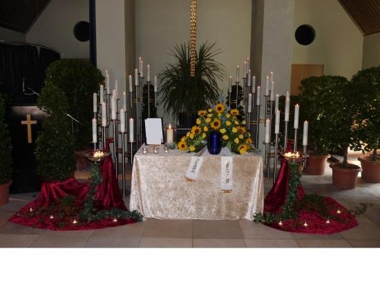 Nordfriedhof Urnendekoration   <small>(Deko FH Nordfriedhof 2106)</small>